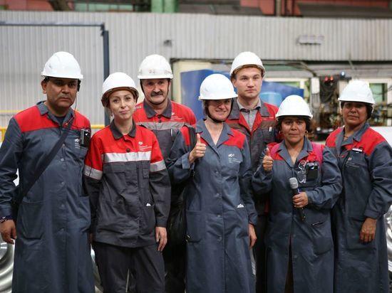 Мексиканские болельщики посетили Выксунский металлургический завод