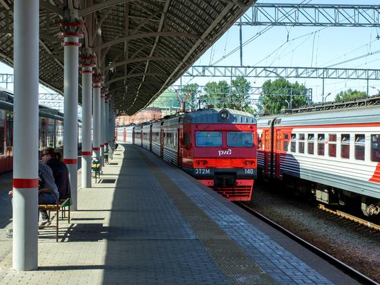 d7164f7baa11 Пенсионерам Москвы и Подмосковья ввели бесплатный проезд в электричках с 1  августа