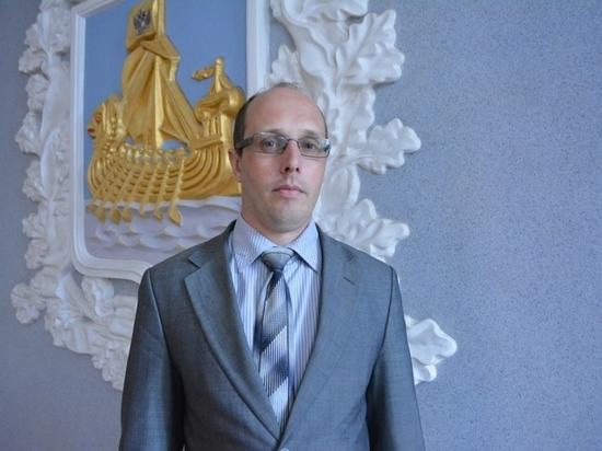 Низкие зарплаты чиновников в Костромской области могут обернуться кадровыми проблемами