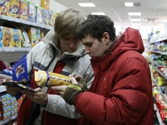 Просроченные продукты продавали в магазинах Сухиничей