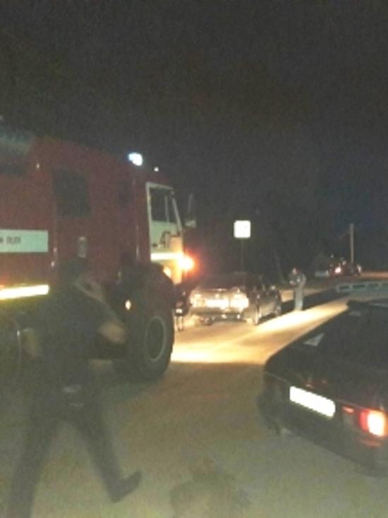 Иномарка снесла остановку с людьми в Сосенском, есть жертвы