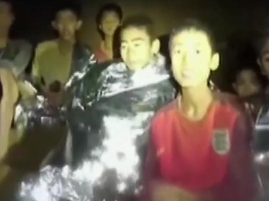 Врачи рассказали о состоянии потерянных в пещере Таиланда детей