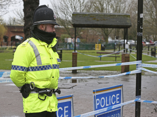 Полиция: два человека отравились неизвестным веществом около Солсбери