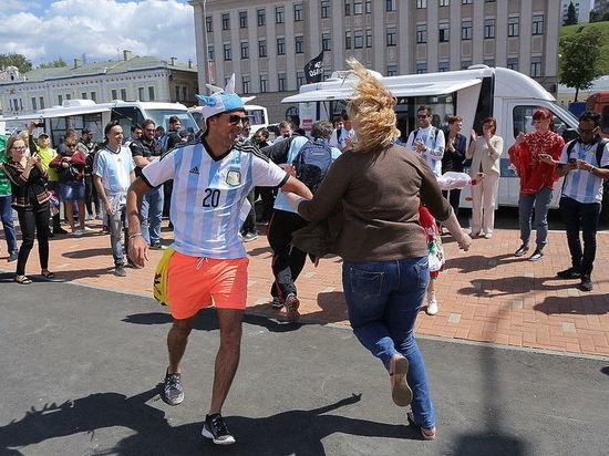 Больше всего болельщиков приехало в Нижний Новгород из Аргентины