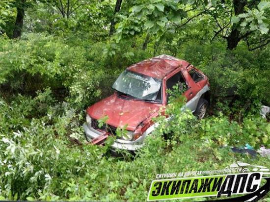 Девушка за рулем авто улетела в обрыв в Приморье