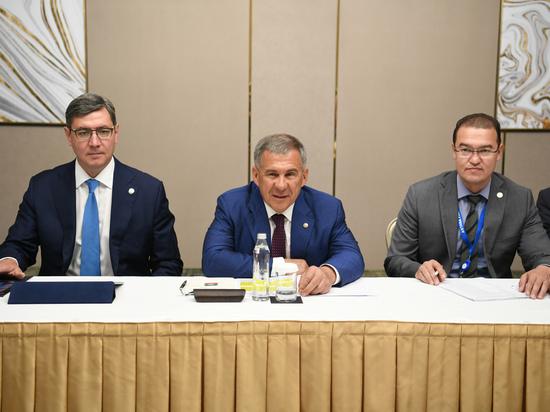 Минниханов прилетел вКазахстан намеждународный форум исламской экономики