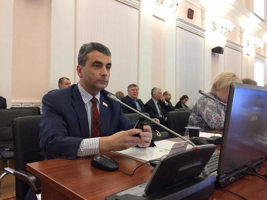 Шлосберг прокомментировал отказ Аршинова участвовать в псковских губернаторских выборах