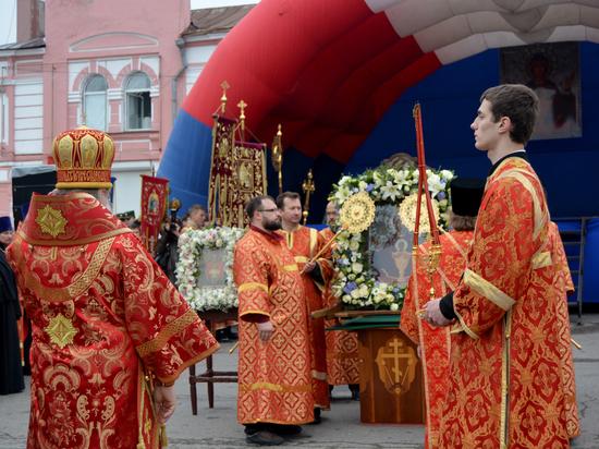 Перед какой святыней можно преклонить колени и получить помощь