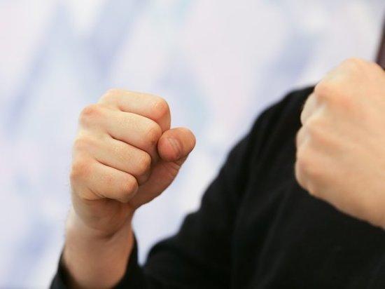 Жителя Владивостока осудили за издевательства над мужчиной