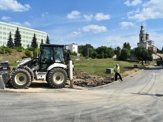 Началось обустройство тротуаров под Соборной горой