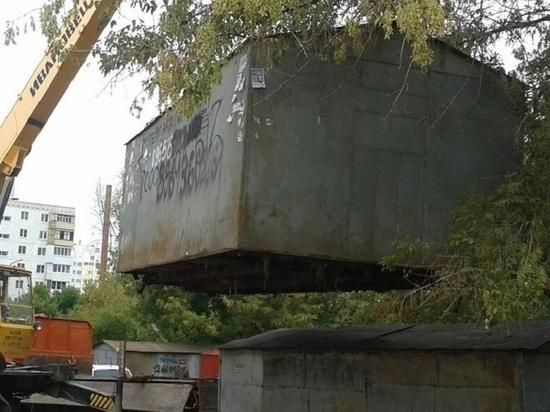 В центре Архангельска сносят незаконные гаражи