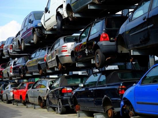 ДТП с 78 машинами устроили барнаульцы в погоне за 5 млн рублей