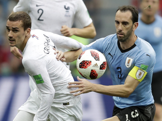 Франция - Уругвай: Гризманн не праздновал гол, Дешам боялся красных карточек