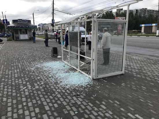 В Твери жители протестовали против еще одного остановочного комплекса