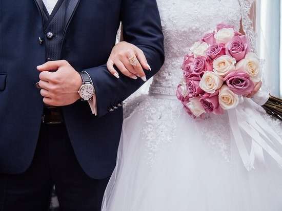 День семьи, любви и верности: приметы на замужество, счастливый брак