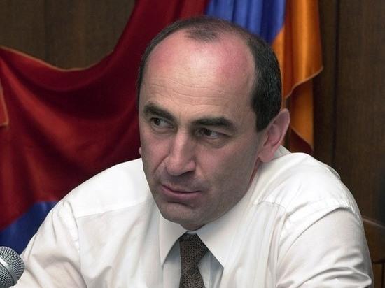 Бывший президент Армении Кочарян может стать жертвой революции