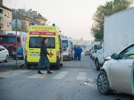 ДТП на юге Волгограда: «десятка» всмятку