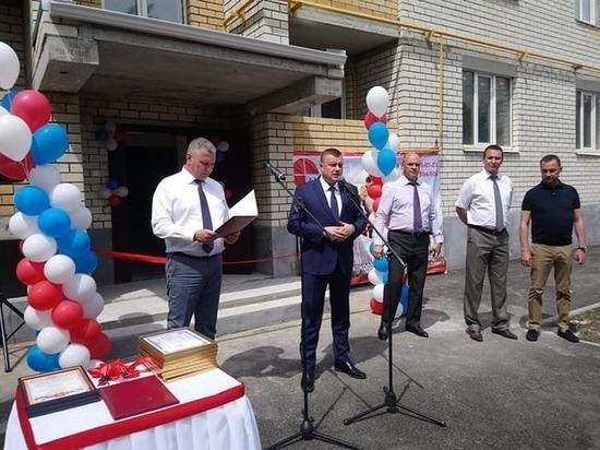 Губернатор Тамбовской области вручил дольщикам ключи от квартир