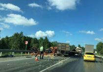«Он так сильно кричал, но помочь было невозможно»: на трассе под Челябинском водители большегрузов погибли в жутком ДТП
