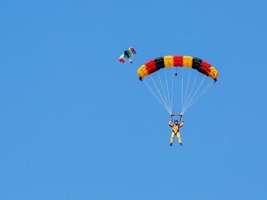 Пока волгоградка собиралась прыгнуть с парашютом, у нее выросли дети