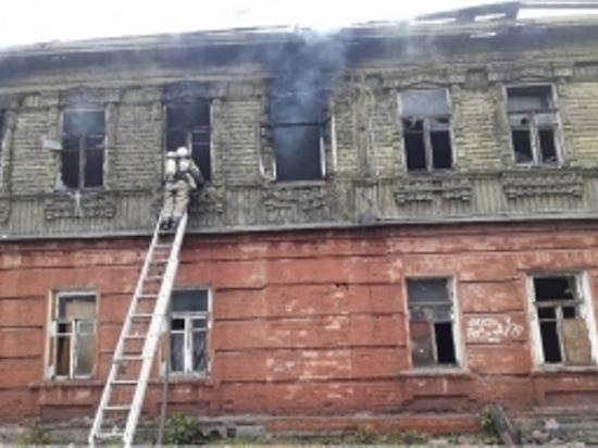 В Твери на Привокзальной площади сгорел старинный дом