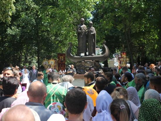 Любовь и верность в Симферополе: теперь и в бронзе