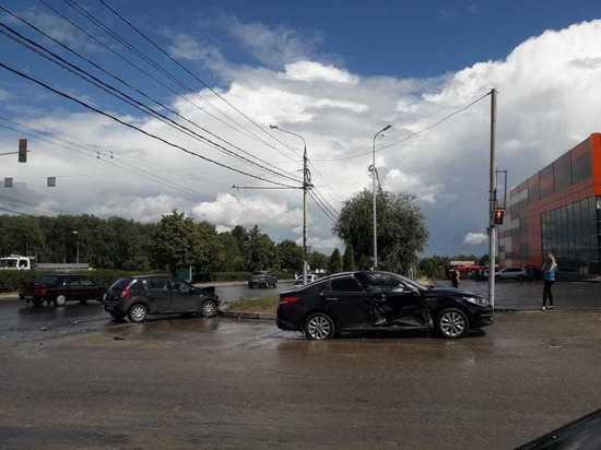 Второе ДТП с участием такси произошло за эти выходные в Калуге