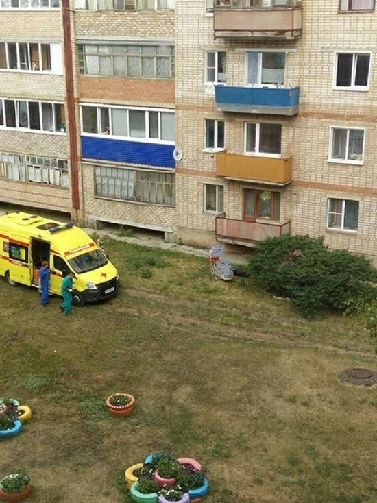 Соцсети: В Оренбуржье с 4 этажа выпал мужчина