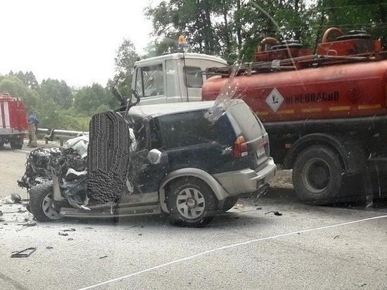 Водитель джипа погиб при столкновении с бензовозом под Калугой