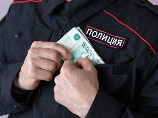 Тверского полицейского осудили за взятку