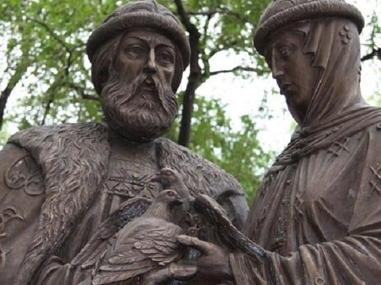 Для детей и семьи: памятник Муромским Чудотворцам появился в Симферополе