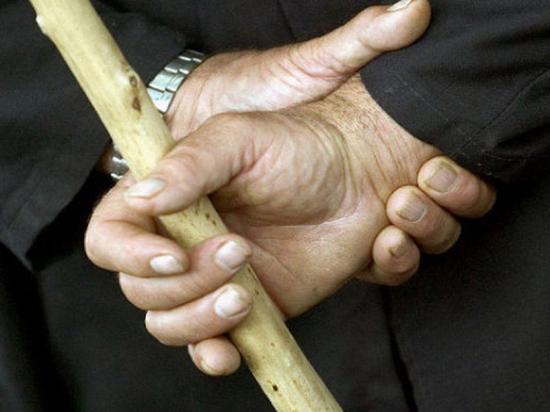 В Ясногорске ревнивый любовник избил соперника черенком от лопаты