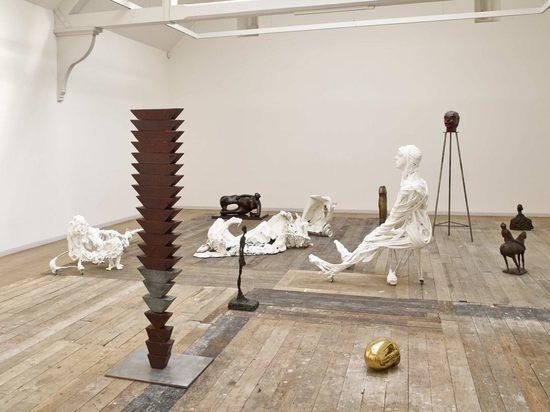 Музей превратился в театр: главные действующие лица — мэтры современного искусства