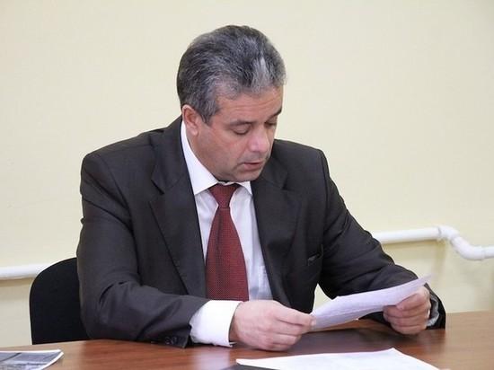 С вещами на выход: бывшего главу Новомосковска Вадима Жерздева выводят изо всех комиссий
