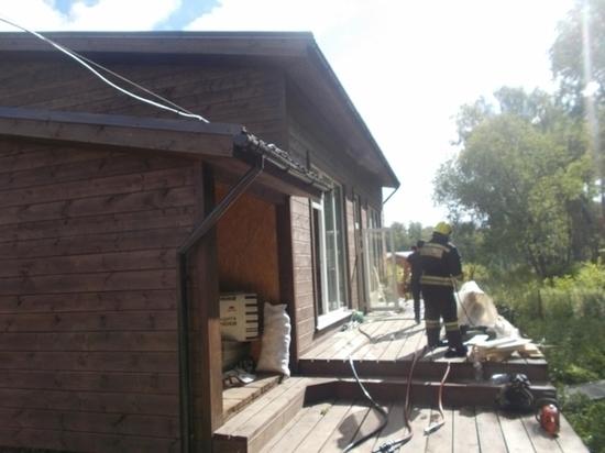 В Заокском районе утром горела дача