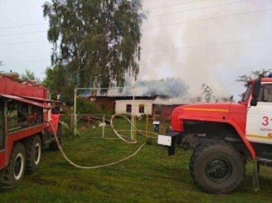 В Щекинском районе утром горел дом