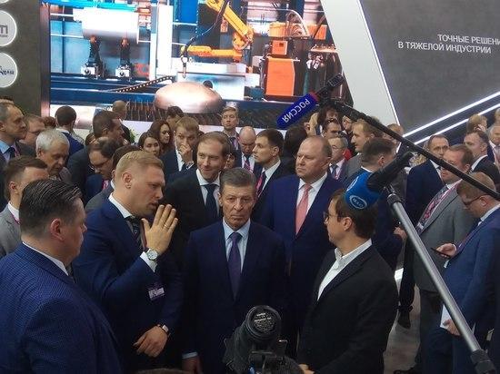 О нехватке роботов в России заявил Дмитрий Козак на выставке ИННОПРОМ
