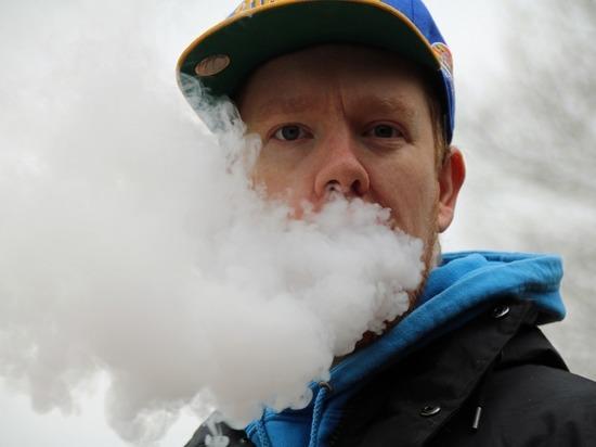 Назван главный секрет притягательности электронных сигарет