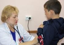 Ветераны островной медицины будут получать ежемесячную надбавку