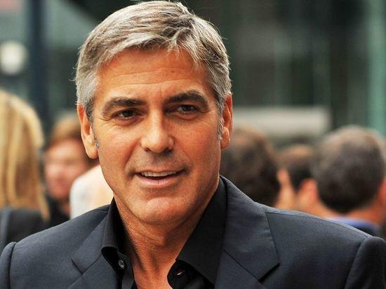 Актер Джордж Клуни попал в аварию на скутере и госпитализирован