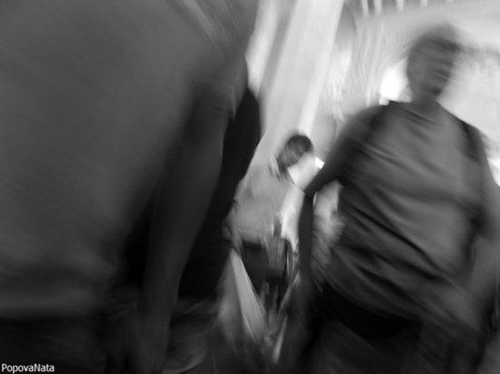 В Астрахани продавали наркоту в шиномонтажке