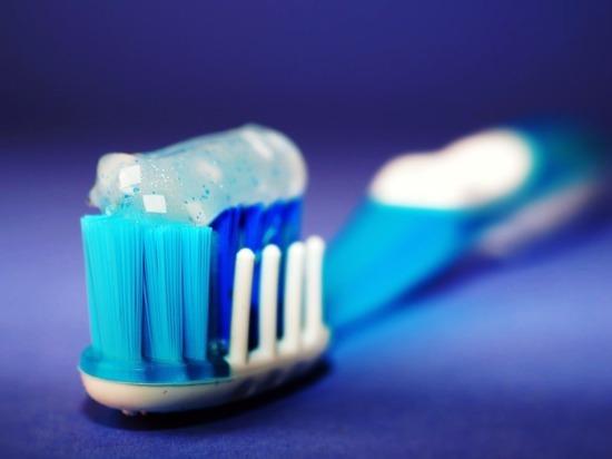 Хирурги достали из желудка москвича зубную щетку