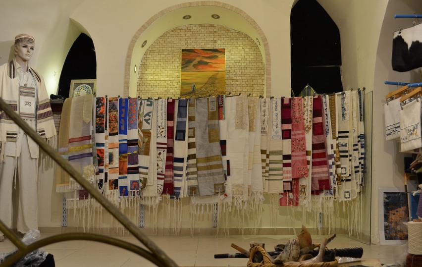 Сто лет израильской моде: в Иерусалиме открылась уникальная выставка