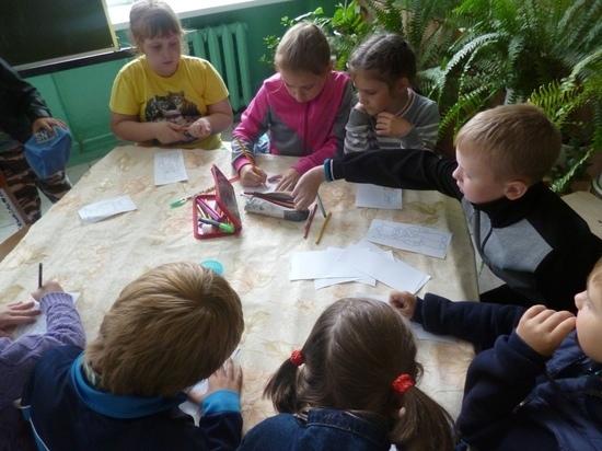 Дети из Тверской области показали коллекцию солдатиков