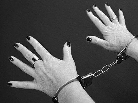 В Набережных Челнах беременная женщина попалась на краже водки к именинам