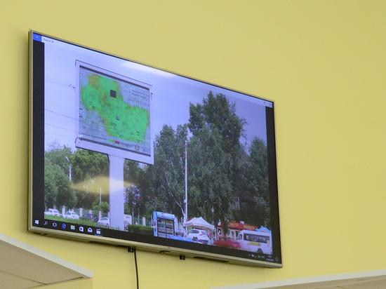 Загрязнение Омска будут транслировать на видеоэкранах
