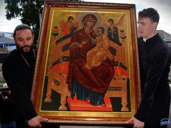 В Усолье-Сибирское приехала афонская икона