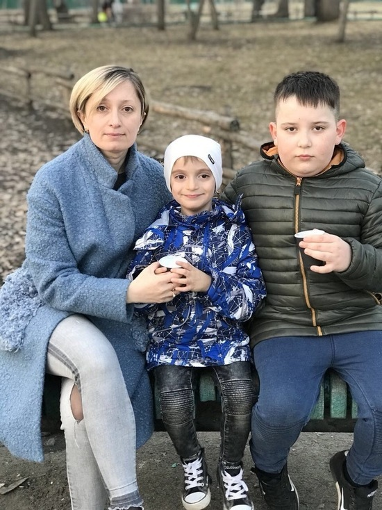 Саратовские следователи собирают деньги на лечение жены своего коллеги