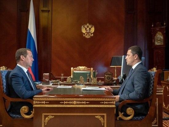Глава Псковской области встретился с Медведевым