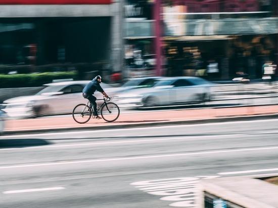ГИБДД Барнаула напоминает правила безопасности для велосипедистов и мопедистов